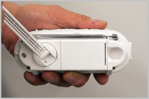 防止ラジオおすすめは手回し充電ラジオ