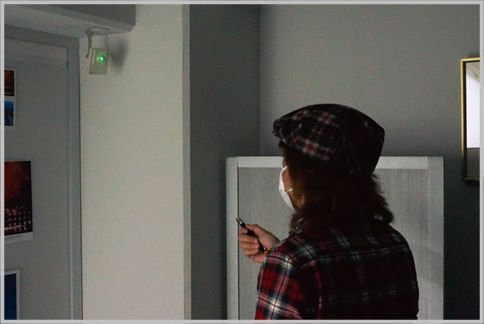 超強力レーザーポインターは防犯カメラを焼ける