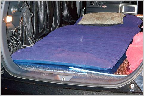 車中泊はマットでリラックスできる寝床を確保