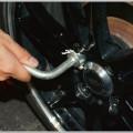 車の盗難防止策が100均アイテムで破られる