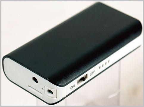 暗視カメラにもなるモバイルバッテリー型カメラ