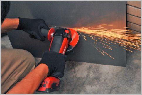 ディスクグラインダーは最強の個人救助ツール