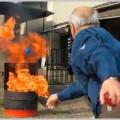 消火器代わりにボールを投げて鎮火するグッズ