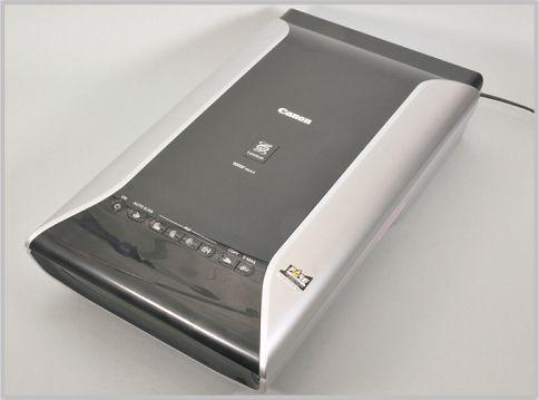 フィルムスキャナーはCanoScan9000F MarkⅡ
