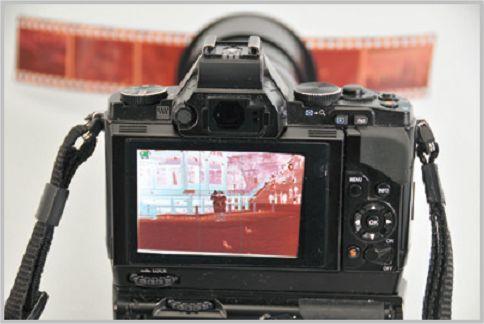 写真をデータ化するならフィルムをデジカメ撮影