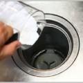 シンクの掃除は蛇口周りと排水口で洗剤が違う