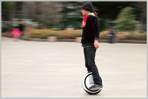 Ninebot Oneは近未来型フォルムの電動一輪車