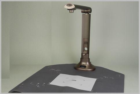 スタンドスキャナーは卓上ライト感覚で使える