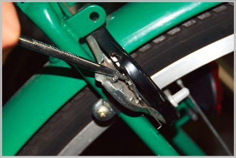 自転車カギ「馬蹄錠」はドライバーで破壊される