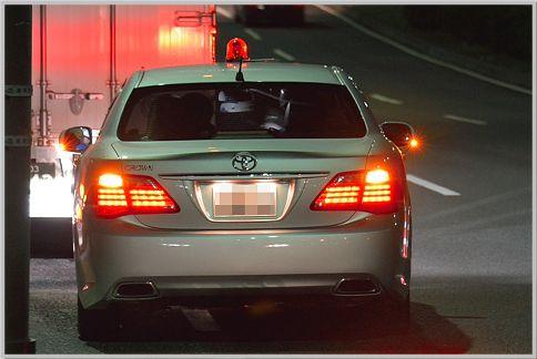 スピード違反の見逃しはサインさせるためのテク