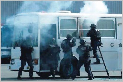 警察の特殊部隊「SIT」と「SAT」の違いとは