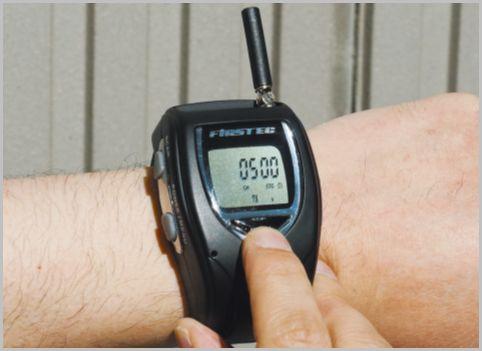 腕時計型の特定小電力トランシーバーの実力とは