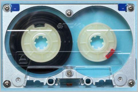 国内メーカー初のメタルテープはTDKから発売