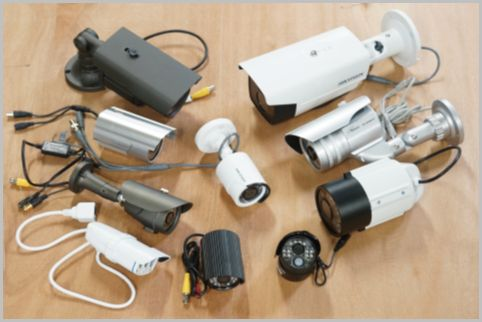 防犯カメラ設置でプロは有線式の機材を選ぶ