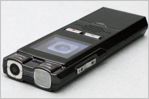 ボイスレコーダー型カメラは指紋認証付きで安心