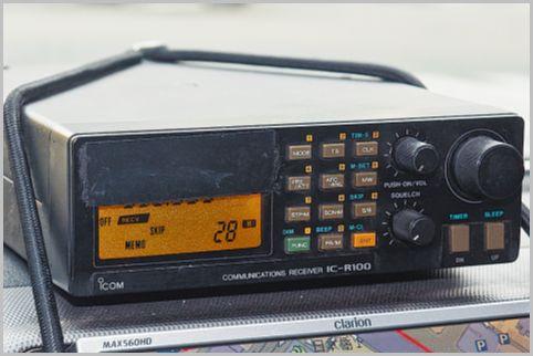 盗聴器発見業者が電波探しに使用する機材とは?