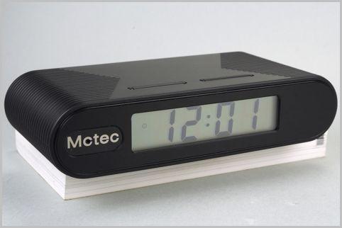 デジタル時計型の防犯カメラはスマホで映像確認