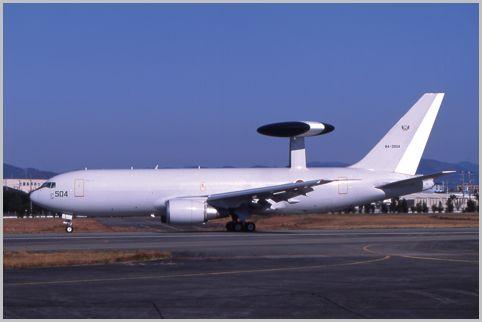 巨大な機体が眼前を飛ぶエアフェスタ浜松が開催