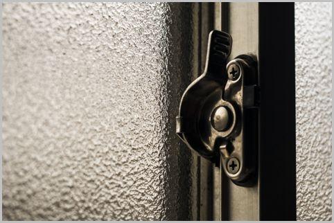 窓のクレセント錠をカギと思ってはいけない理由