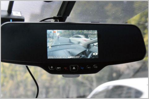 ルームミラー型ドライブレコーダーは画質がイイ