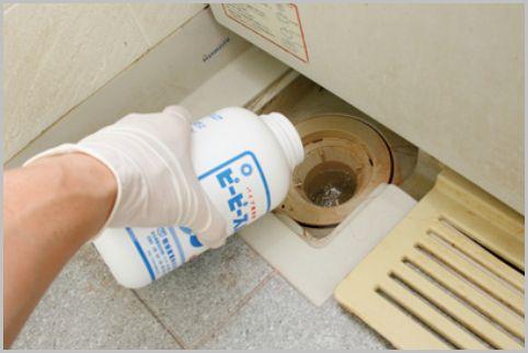 お風呂掃除に市販品で最強のパイプ洗浄剤を使う