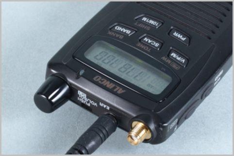 盗聴器発見機能を搭載カードサイズ受信機の実力
