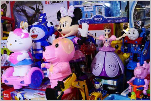 中国のインチキおもちゃでキャラが独自に進化中