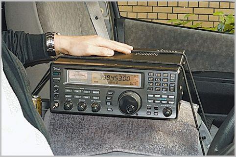 盗聴器発見のプロが調査で使っている受信機は?