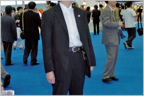 要人警護でSPが上着のボタンを外している理由