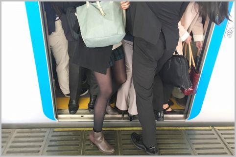 通勤電車で座る確率がアップするテクニック3つ