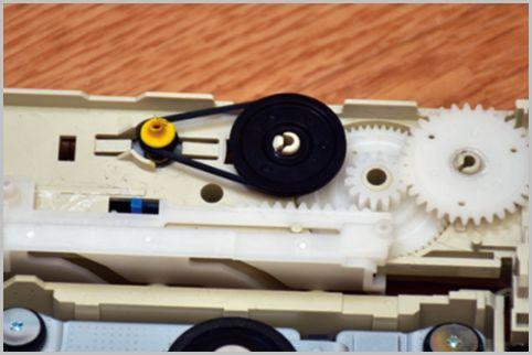 DVDドライブのトレイ故障を自力修復する方法