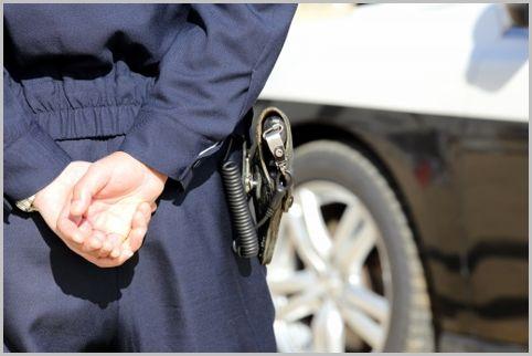 警察官の拳銃「サクラ」は5発の実弾をフル装填
