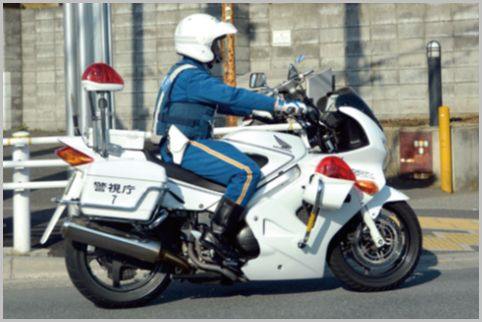 交通機動隊が花形の交通部には私服警察官も所属