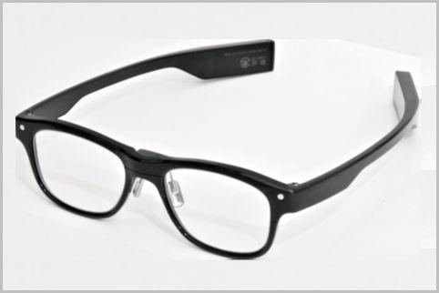 JINSのセンサー付きメガネで居眠り運転を防止