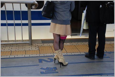 新幹線の自由席に並ぶ時に奇数号車を避ける理由