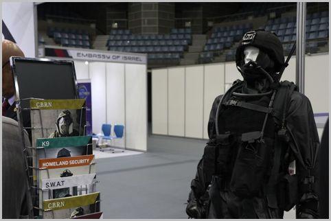 イスラエルの軍事見本市で展示された兵器とは?