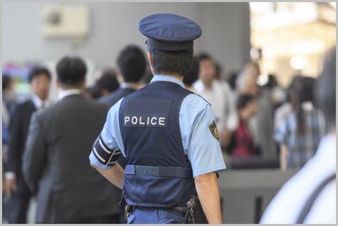 警察が防犯カメラ映像から犯人を追うテクニック