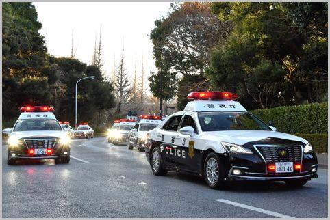 """警车只是""""皇冠""""的原因是什么?"""