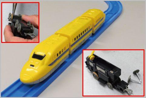 ダイソーのプチ電車をプラレールで走らせる改造