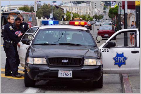 全米の警察無線がリアルタイム受信できるアプリ