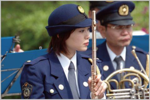 女性警察官が着る合服・夏服・冬服のお値段は?