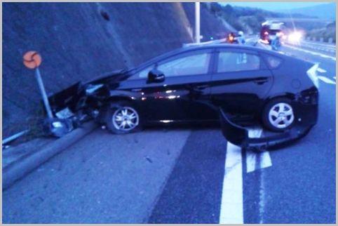 あおり運転より危険「つきまとい運転」の対処法