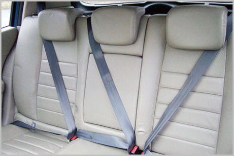 自動車事故で一番リスクの高い座席はどこだ?