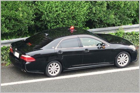 覆面パトカーのスピード違反取締りを見抜く方法