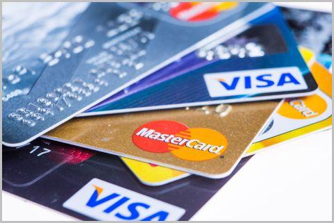デビットカードはどの銀行を選ぶと一番おトク?