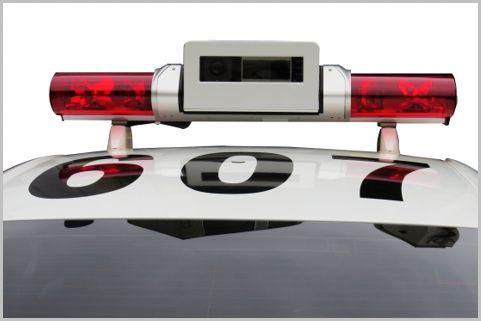 速度違反を待ち伏せ「レーザーパトカー」とは?