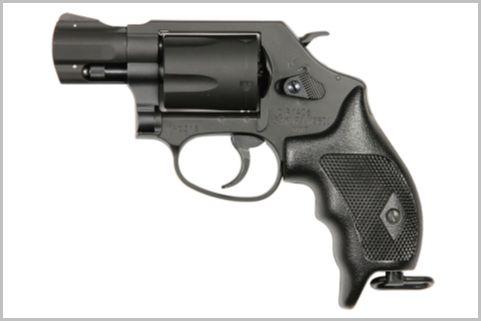 警察官が持つ「回転式拳銃」は一丁いくらする?