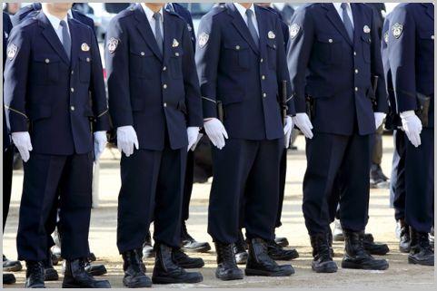 住民あたりの警察官の数が最も低い県はどこだ?