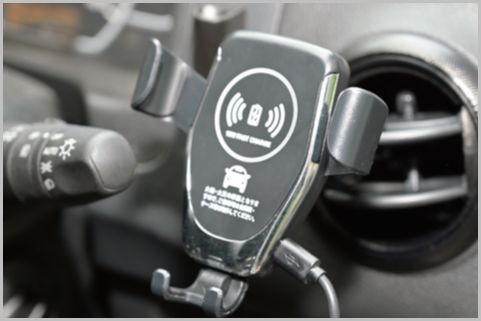 660円で買える車載ワイヤレス充電器の性能は?