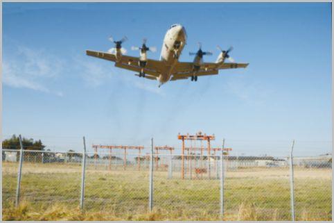 爆音P-3Cが頭上スレスレを飛行する下総航空基地